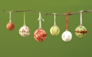 Christmas Ornaments created with http://www.qksilhouette.com/whatcanitdo.aspx